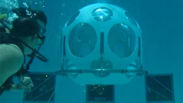 Le restaurant sous piscine, le seul au monde