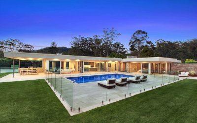 Barrière en verre, sécurité et design pour votre piscine